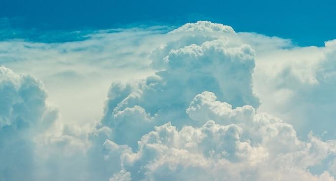 Wolken Malen Hero