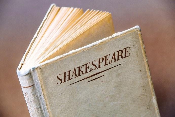 7 Berühmte Shakespeare Zitate Auf Deutsch Und Englisch